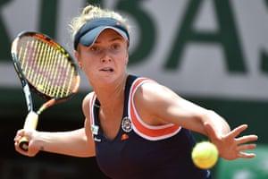 Elina Svitolina returns.