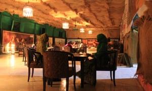 Hiddo-Dhowr's singers will take requests while you dine