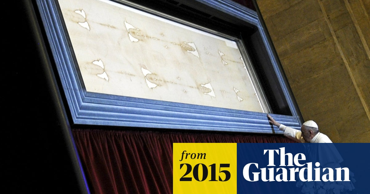 Pope Francis praises Turin shroud as an 'icon of love' | World news