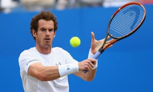 Andy Murray plays a backhand in his men's singles final match against Kevin Anderson.