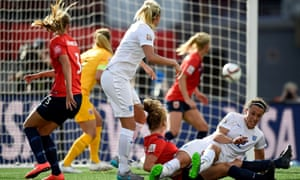 Steph Houghton equalises for England against Norway