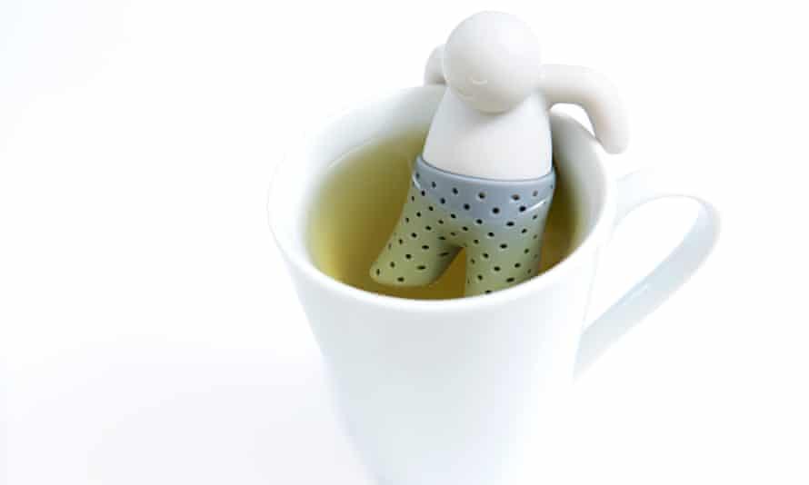 Mr Tea gets to work on Rhik's cup of lemon verbena.