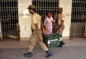 Army soldiers set up camps to help victims of heatwave in Karachi. The temperature in the port city where more than 450 people died, had been hovering around 45 degree Celsius for three days