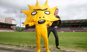 Kingsley, the new Partick Thistle mascot, with creator David Shrigley.