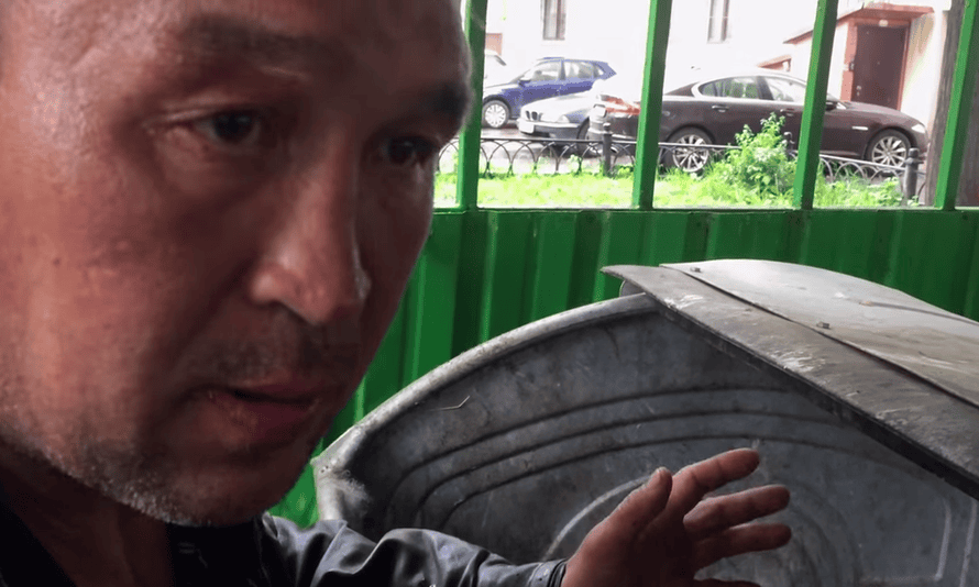 'I will tell you about my homeless life in Moscow … where to eat for free, to sleep, to wash up, where to go, what to see,' Zhenya Yakut promises.