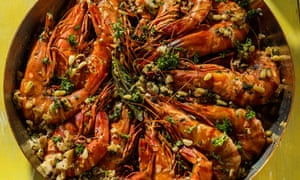 Prawns with garlic and paprika