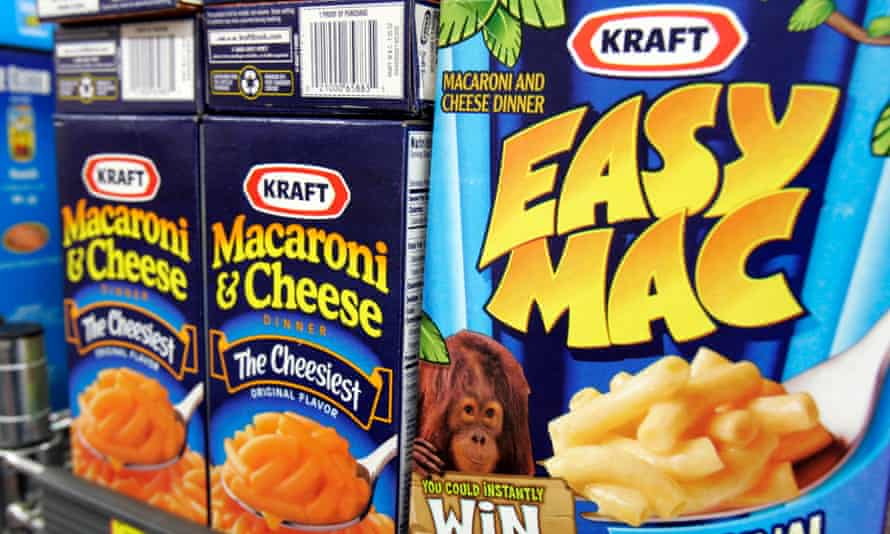 Kraft has announced that it's removing artificial preservatives and synthetic colorings from its macaroni and cheese products.