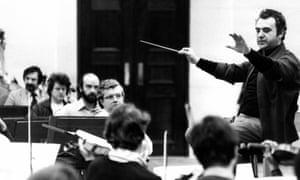 Walter Weller conducting