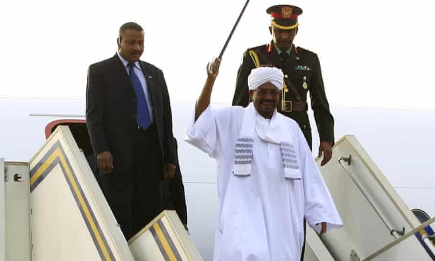 Omar al-Bashir arrives in Khartoum
