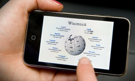 Wikipedia on a smartphone