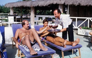 The England striker Gary Lineker and his snooker-playing friend Willie Thorne enjoy a tipple in 1986