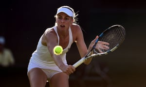 Naomi Broady loses the first set on a tie-break against Mariana Duque-Marino.