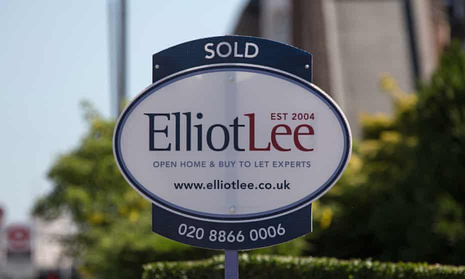 Elliot Lee estate agents sign