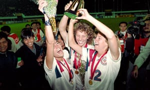 Michelle Akers-Stahl (C) who scored two