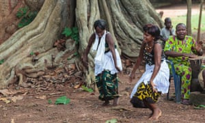 Local women performing traditional voodoo dance