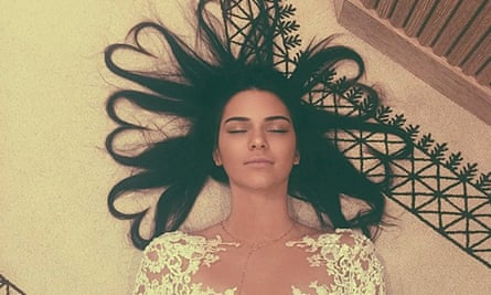 Kendall Jenner's selfie, the most liked pic in the history of Instagram with 2.6 milion likes