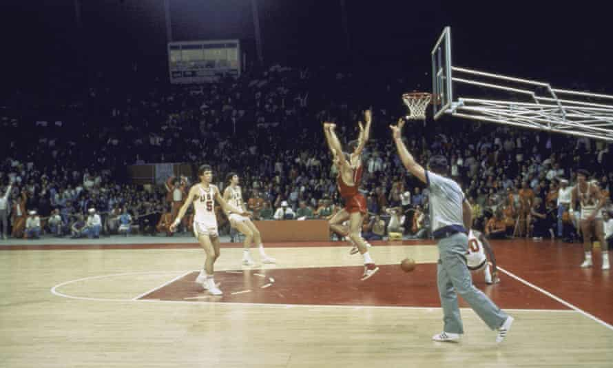The Soviet Union scores the winning basket in the last second of the 1972 Olympic basketball final against the USA>
