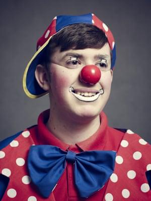 Jonathan Arthurs as Clown Joey