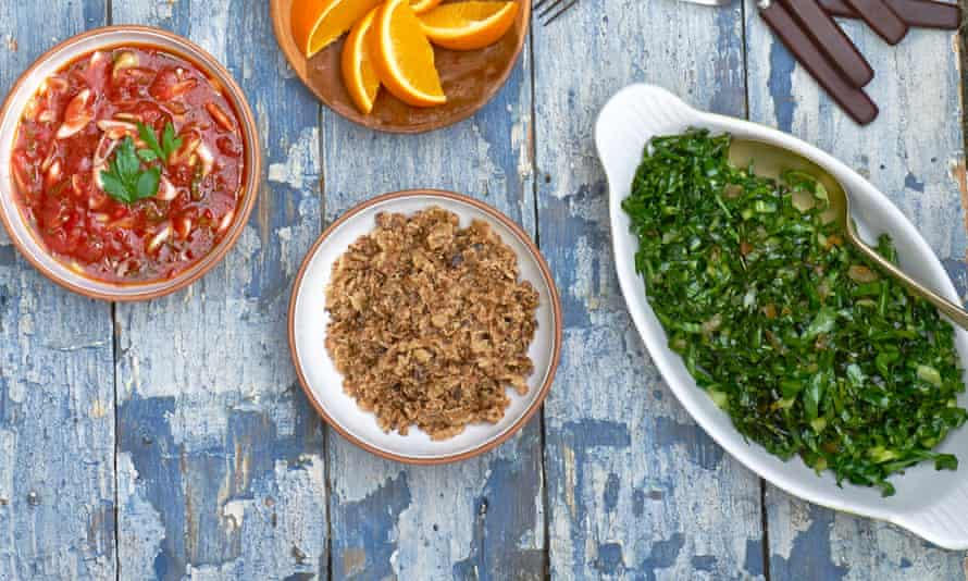 Brazilian feijoada greens with salsa