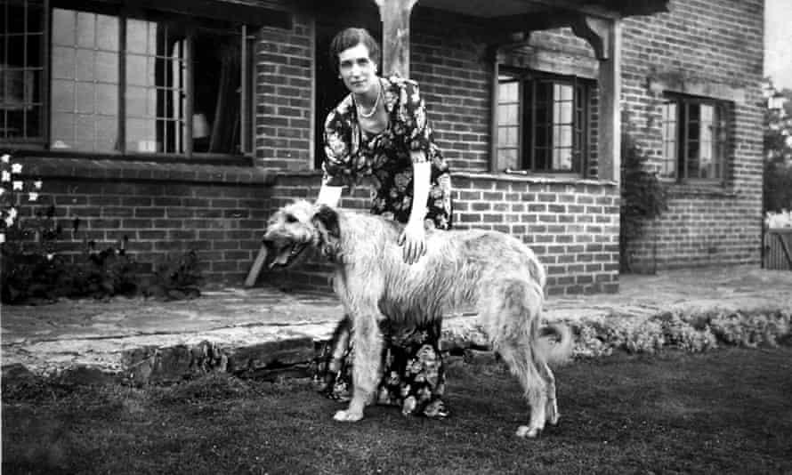 Georgette Heyer with her Irish wolfhound, Misty Dawn, in 1939