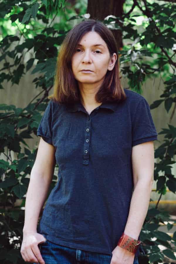 Лиза Лерер у своего подъезда в Москве. Фото: Елена Спасова