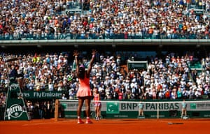 Then soaks up the applause from the Roland Garros crowd.