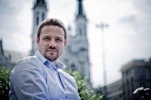 """波兰负责欧洲事务的国务卿RafałTrzaskowski:""""欧盟的一项基本原则是劳动力自由流动的权利。"""""""