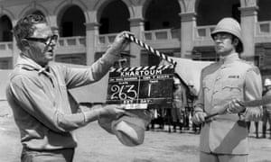 Richard Johnson, right, with director Basil Dearden on the set of 1966 film Khartoum.