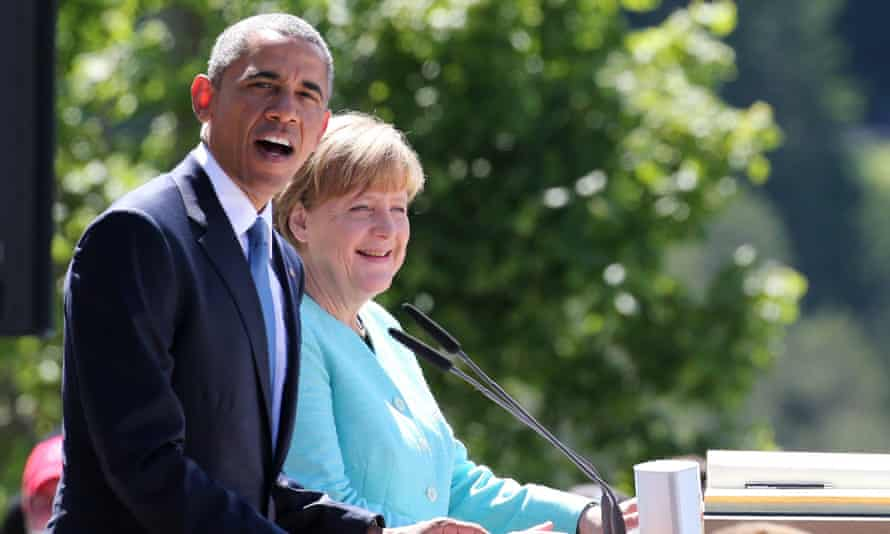 The German chancellor, Angela Merkel, with the US president, Barack Obama, in Kruen, Germany, on Sunday before the start of the G7 summit.