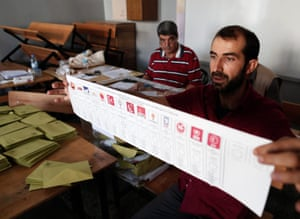 Officials begin the count after the close of voting in Diyarbakir