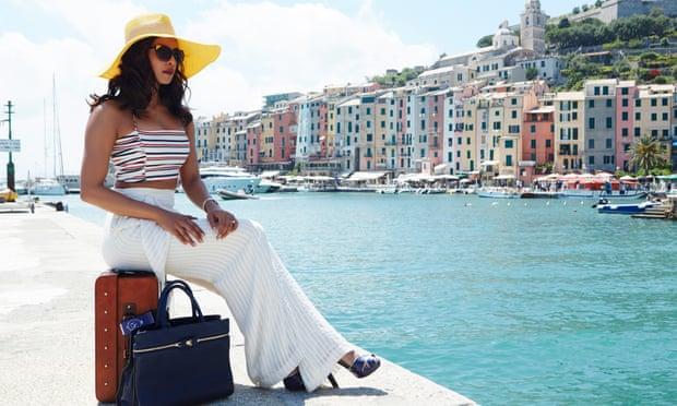 5 Ways In Which You Can Look Like Priyanka Chopra