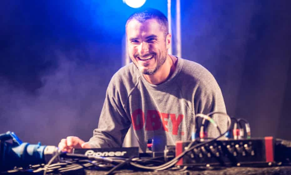 Apple has acquired a number of experienced staff from Radio 1, including Zane Lowe.