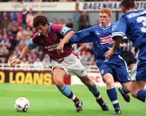 Slaven Bilic playing for West Ham against Leicester in 1996.
