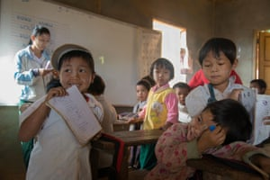 A special agreement between the central government and the ethnic armed groups controlling the districts of Loilen and Hopong has allowed children to access basic education and English lessons.