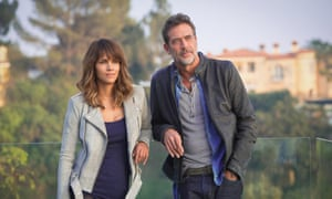 Halle Berry as Molly Woods and Jeffrey Dean Morgan as JD Richter in Extant.
