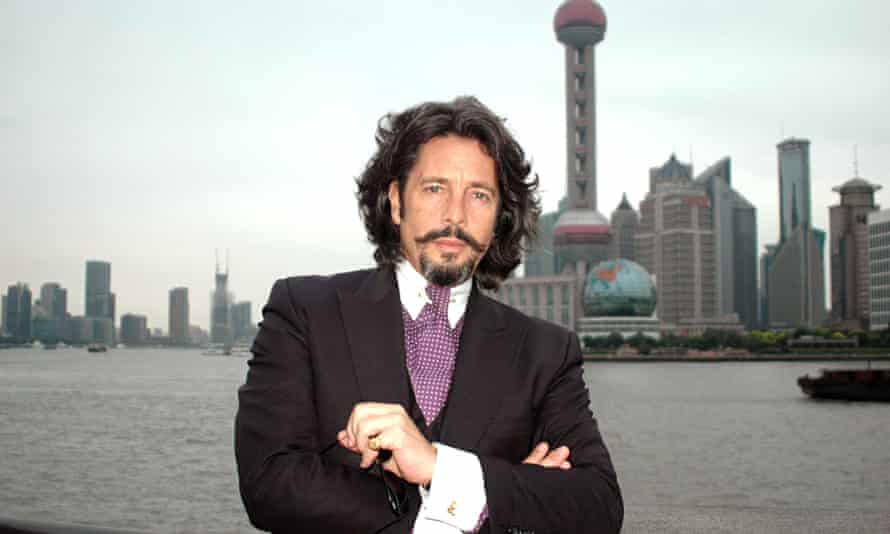 Designs on the Far East … Lawrence Llewelyn-Bowen: Cracking China. Photograph: BBC/Firecracker Films