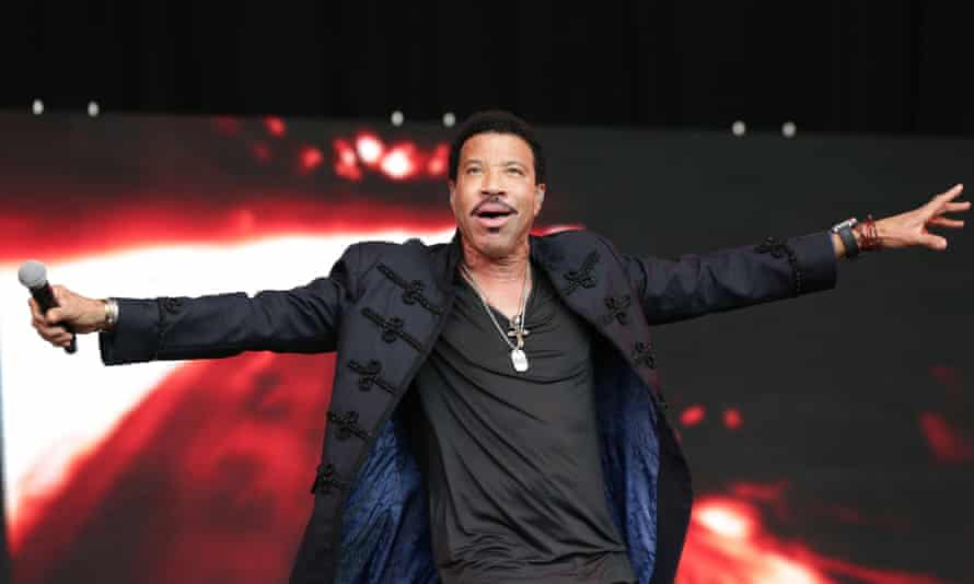 Lionel Richie performs to crowds at Glastonbury and, thanks to the BBC, into the living rooms of middle England.