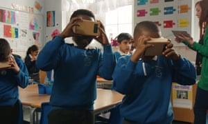 Schoolchildren using Google Expeditions