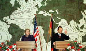 Former US secretary of state Madeleine Albright with then German foreign minister Klaus Kinkel in 1998.