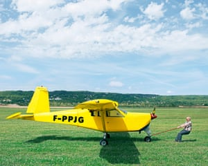 High-wing aeroplane €32,000, Sartrouville. For sale by builder: Lucas L7 metal airplane, Lycomming O 320 engine with a 160cv carburettor, three-seater with a hold . Price: make an offer.  Pierre, a precision mechanics technician spent 12 years building his own plane, which he flew a total of 60 hours.  He is selling it because of new EU regulations. His licence, which allowed him to fly within a 30km radius, is no longer valid.