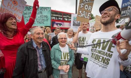 Demonstrators for Cressingham Gardens in Windrush Square, Brixton