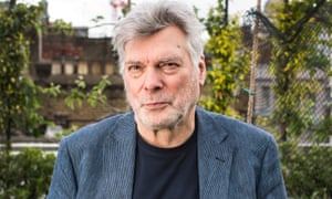 Singer-songwriter-guitarist Steve Tilston does his best Al Pacino