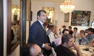 Joan Laporta speaks at a meal with Barça fans at Da Greco restaurant.