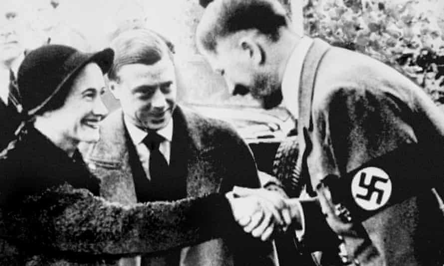 Queen Nazi salute child
