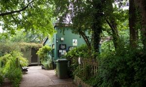 Entrance to Kenwood Ladies Pond, Hampstead Heath