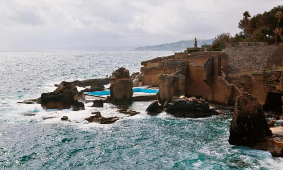 The open thermal baths of Santa Cesarea.