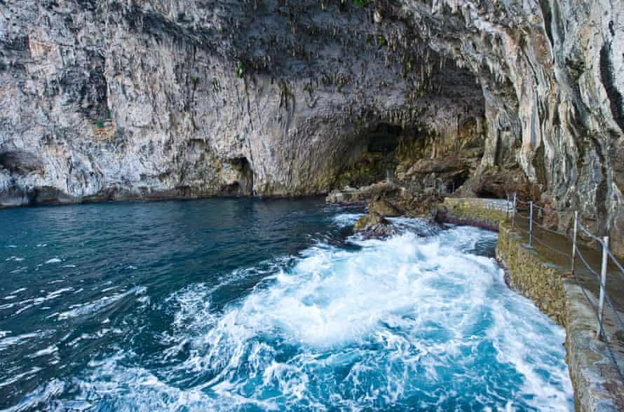 Zinzulusa cave.