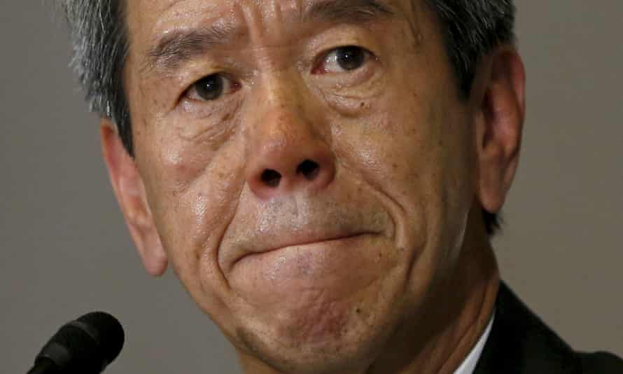 Toshiba president Hisao Tanaka pictured at a Tokyo news conference about accounting issues in May 2015.
