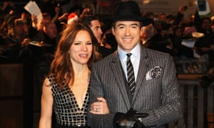 LONDON, ENGLAND - DECEMBER 14:  Robert Downey Jnr and wife Susan attend the World Premiere of Sherlock Holmes at Empire Leicester Square on December 14, 2009 in London, England.