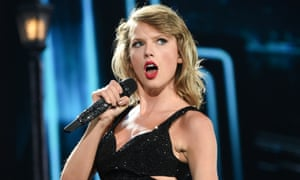 Taylor Swift: accused of hypocrisy over photography contracts